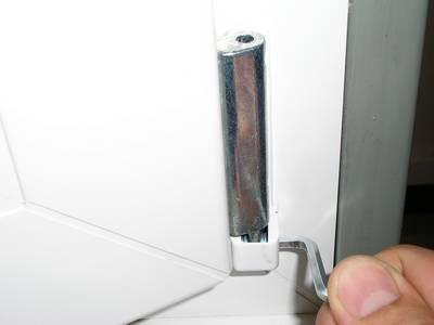 Регулировка петлей фурнитуры пластикового окна