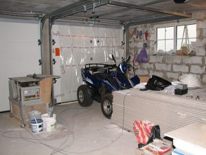 okna-v-garazhe-osobennosti-vybora